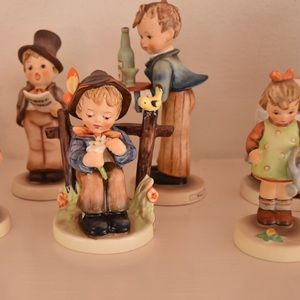 Other - authentic hummel collection. 26 figurines total.